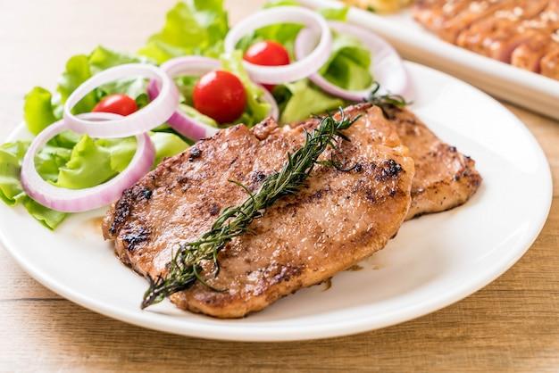 Grilled pork steak with vegetable