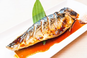Grilled saba fish with sweet sauce on top