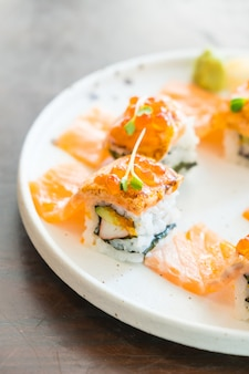 Grilled salmon sushi roll