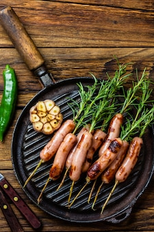 ローズマリーの串焼きグリルソーセージ