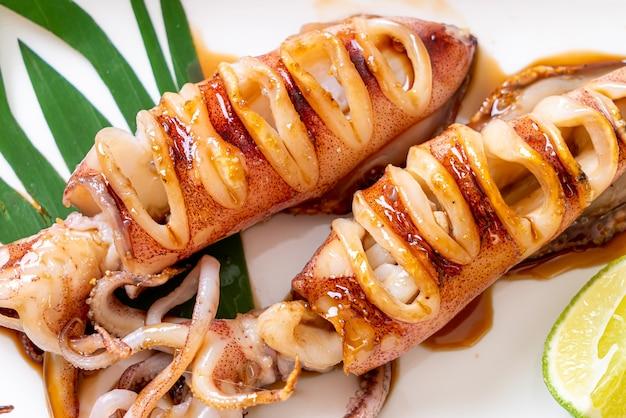 Кальмары на гриле с соусом терияки