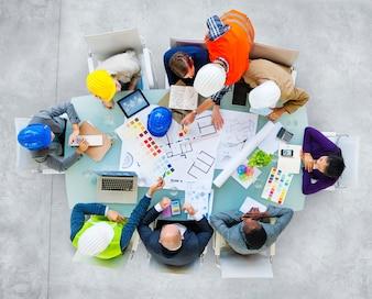 敷地建設工事班の集まり