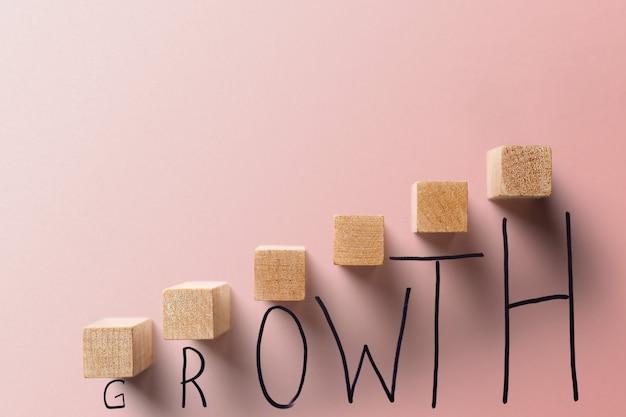 Бизнес-концепция роста кораллового цвета.