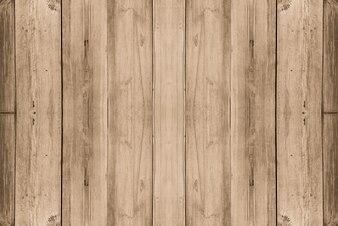 汚れた壁の内部テーブル寄木細工