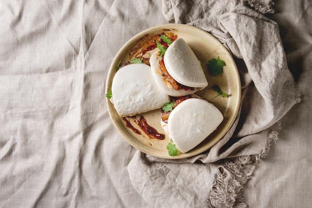 Gua bao buns with pork