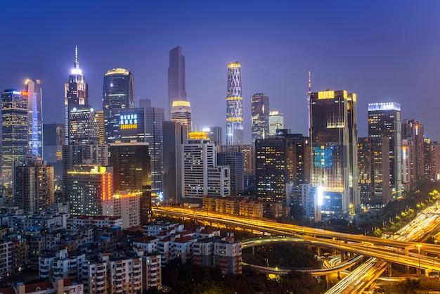 広州、中国-2月。 29、2016:広州市のスカイラインの美しい夜景。
