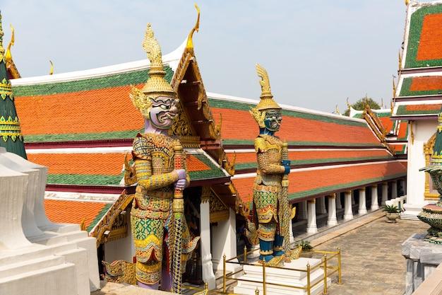 왓 포 사원의 경비원