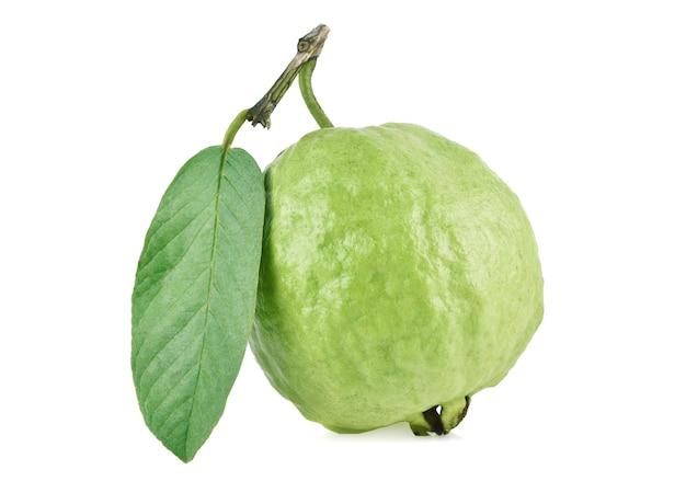 구아바 과일 흰색 배경에 고립입니다.