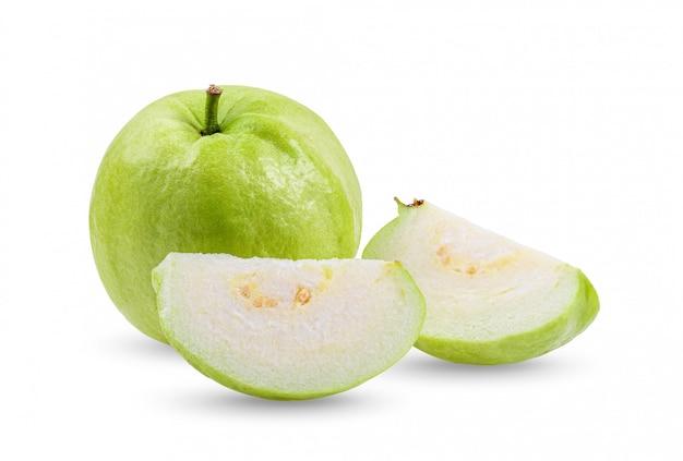 白い壁にグアバ果実。