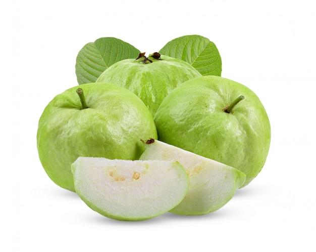 白い壁の葉とグアバ果実。