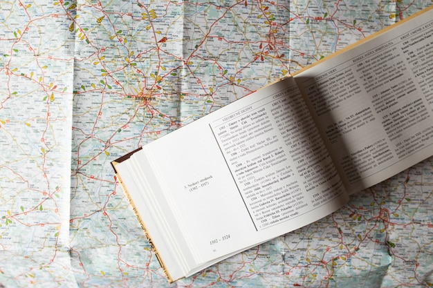 Guidebook on map