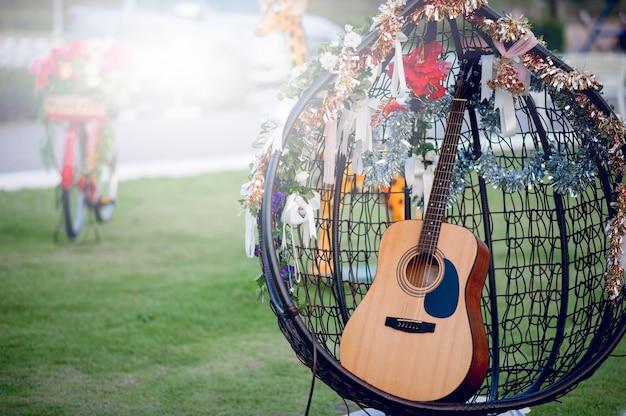 Гитарный инструмент профессиональных гитаристов концепция музыкальных инструментов для развлечений