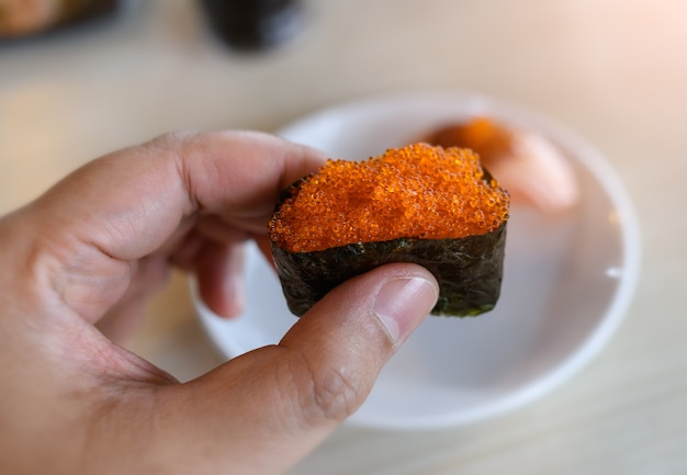 Tobiko 날치알의 군함초밥