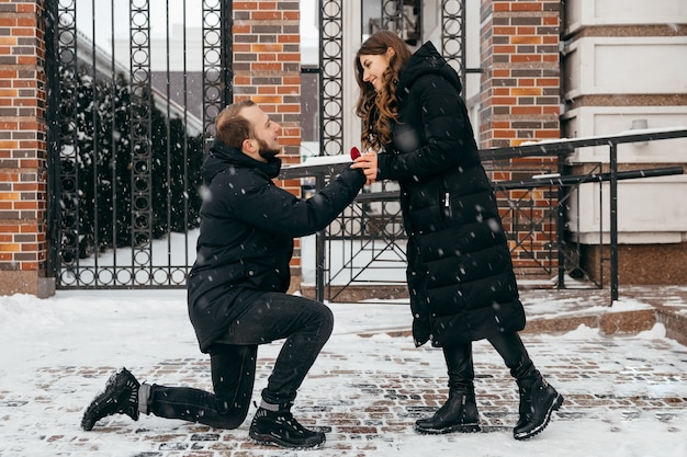 The guy makes a marriage proposal to his girlfriend