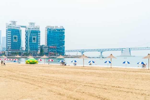 Пляж гванган - один из популярных пляжей в пусане, южная корея.