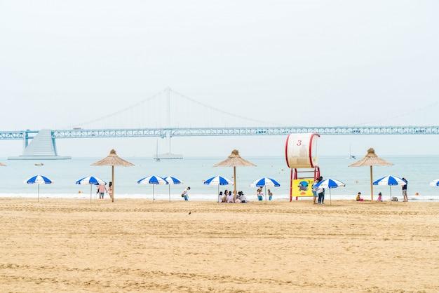 Gwangan пляж один из популярных пляжей в пусане, южная корея.