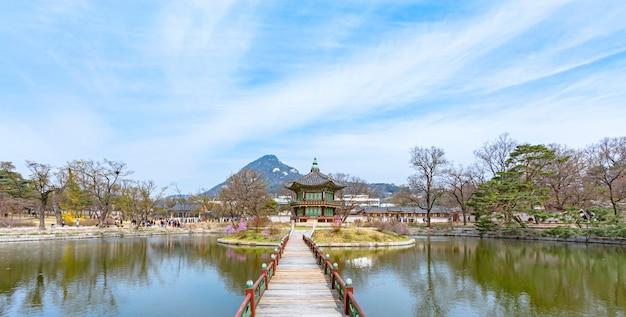Дворец кёнбоккун, павильон хянвонджон, сеул, южная корея.