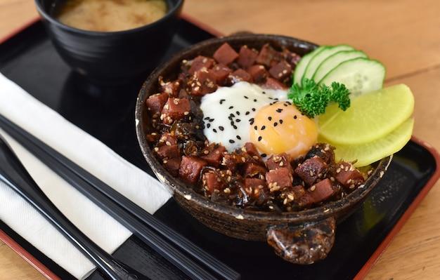 Гюдон или японская еда из говядины