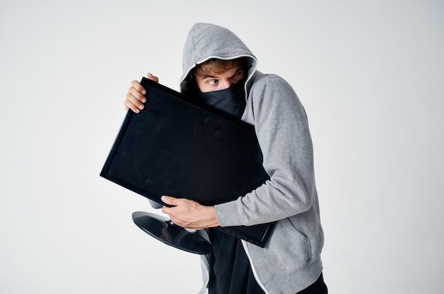 해커 범죄 익명 주의 balaclava 밝은 배경