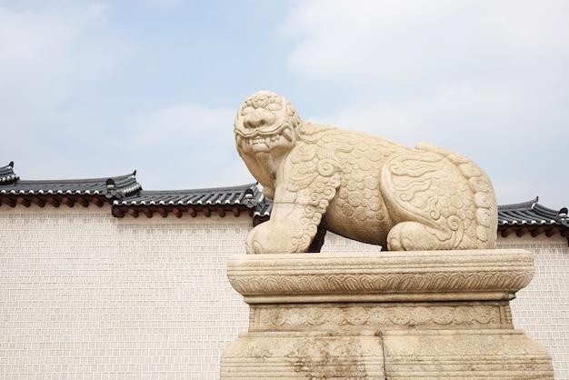 해치, 경복 군 신화 사자 같은 동물의 동상