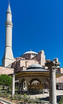 터키 이스탄불 술탄아흐메트에 있는 아야 소피아 모스크.