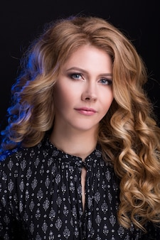 Красивый женский портрет с здоровой hair.clear fresh skin.