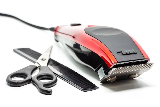 Набор для стрижки волос на белом фоне