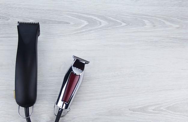 バリカンエッジングマシン現代の電気髪とあごひげトリマーの正面画像