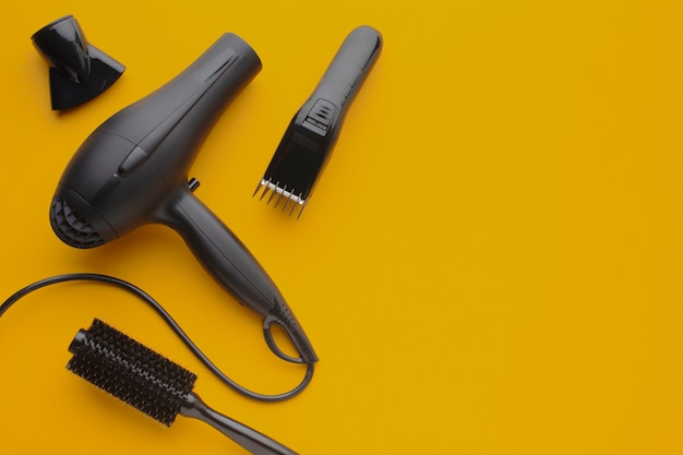 Hair dryer and trimmer copy space