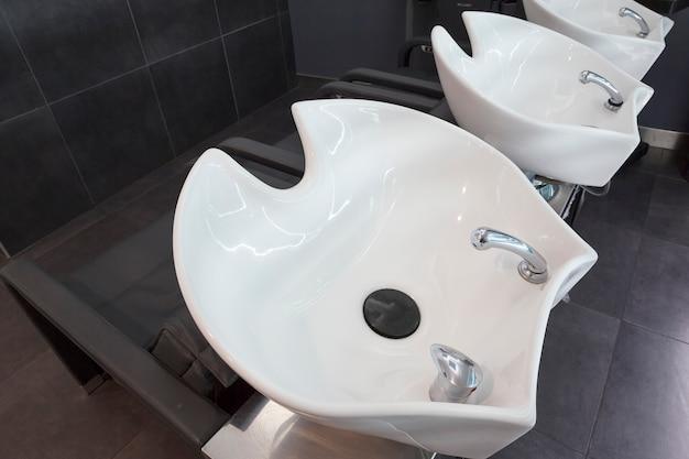 美容院の洗面台