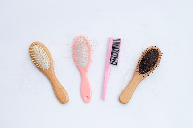 Hairs loss fall in combs