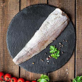 メルルーサ新鮮な魚シーフード有機成分ベジタリアン食品ペスカタリアンダイエット