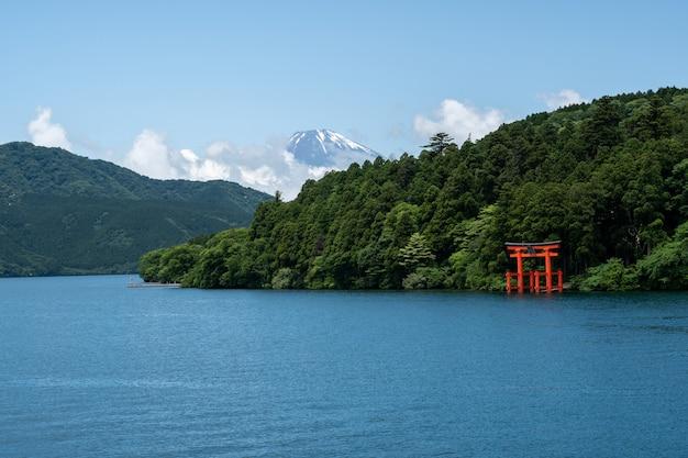 芦ノ湖の富士山の箱根神社