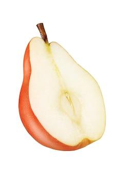 白い背景で隔離の半分の赤い梨。完全な被写界深度。クリッピングマスク。