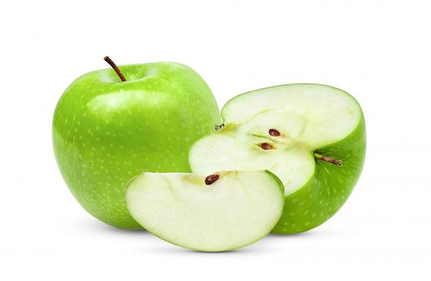 白い背景の上半分の青リンゴ