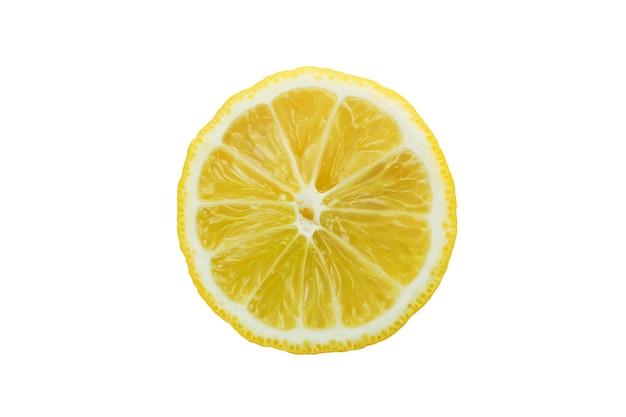 흰색 테이블에 고립 된 레몬의 절반