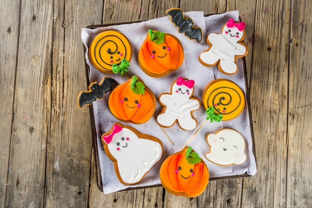 Halloween background with funny gingerbread cookies