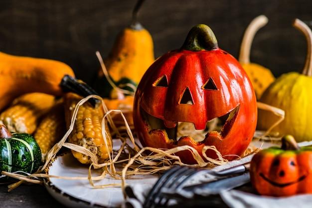 秋のカボチャとハロウィンカードのコンセプト