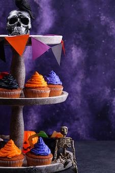 Кексы на хэллоуин с цветным кремом