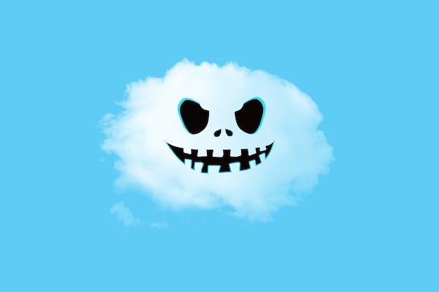 Лицо хэллоуина на белом облаке
