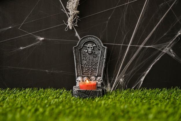 Cimitero di halloween su erba