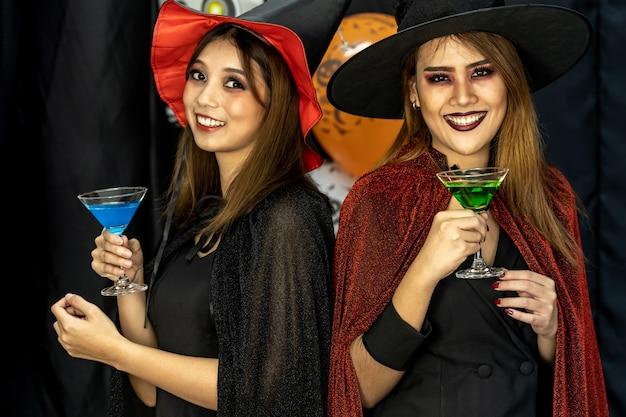 Питьевая вечеринка на хэллоуин