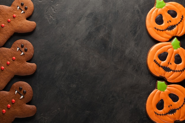 Halloween pumpkin and bats cookies.