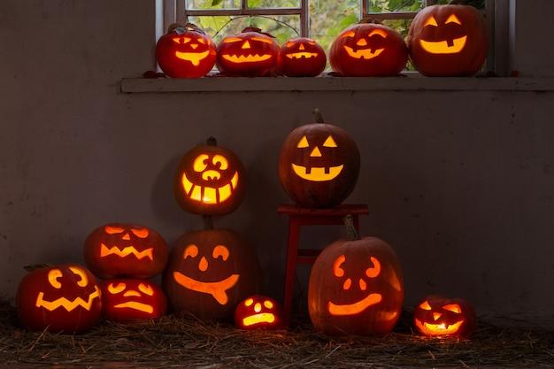 Хэллоуин тыква в помещении