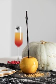 Halloween tratta sul tavolo