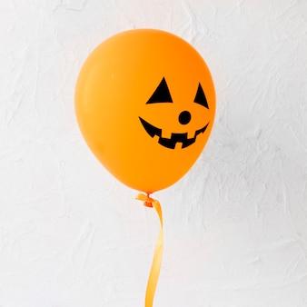 Halloweenのためのジャック・オ・ランタンの風船