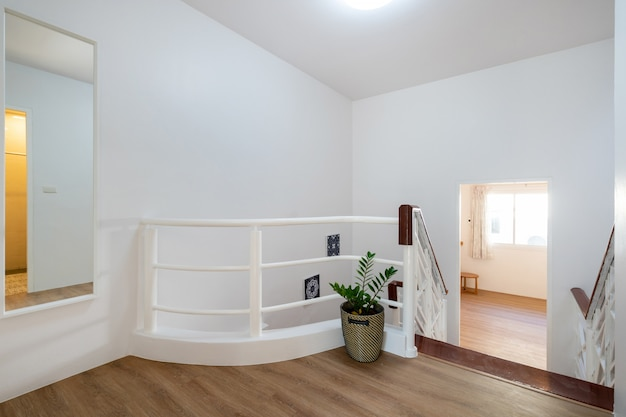Прихожая дизайн интерьера дома с лестницей в доме Premium Фотографии