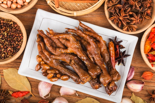 Halogen spiced chicken feet