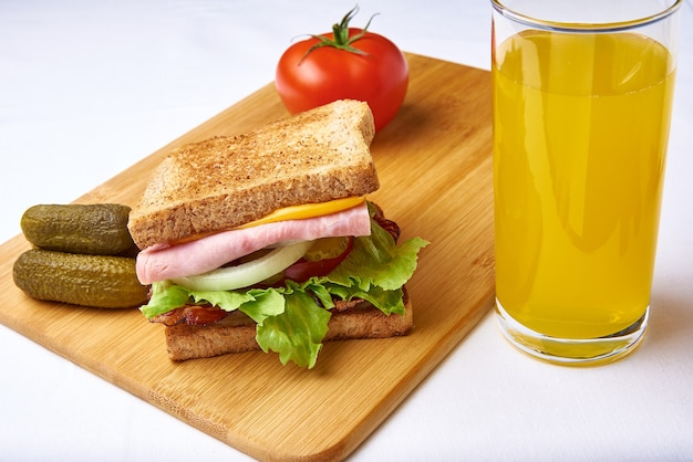 Ham, bacon and vegetable sandwich