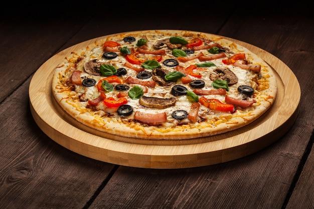 Ветчина пицца